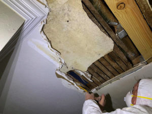 water damage company Miracle Mile ca